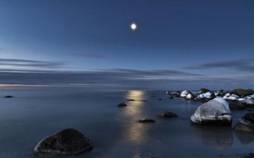 normal_moon_light_hd_widescreen_wallpapers_1920x1200